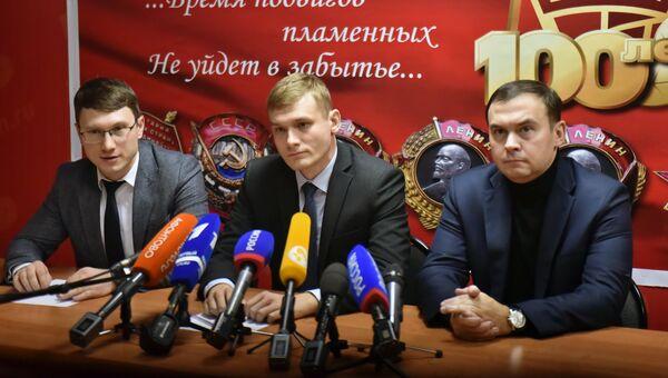 Избранный глава Хакасии Валентин Коновалов на пресс-конференции, посвященной итогам второго тура выборов главы Хакасии