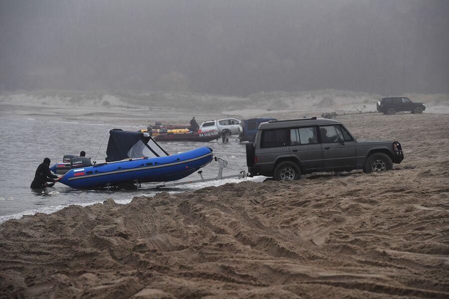 «Слип» — место, откуда статруют лодки с водолазами.