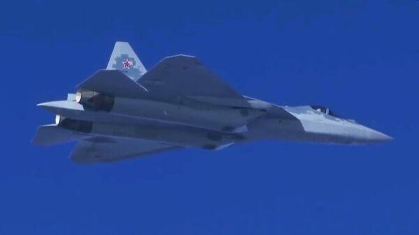 Полет новейшего истребителя пятого поколения Су-57 в Сирии