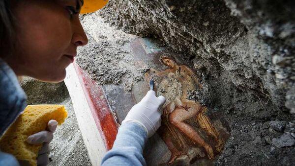Фреска Леда и лебедь, найденная в Помпеях
