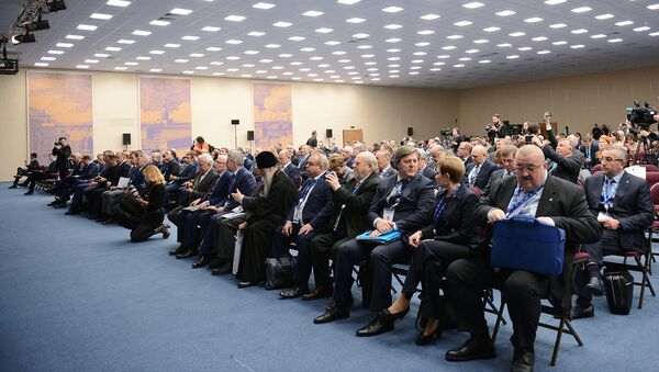 Участники заседания международного форума. Архивное фото