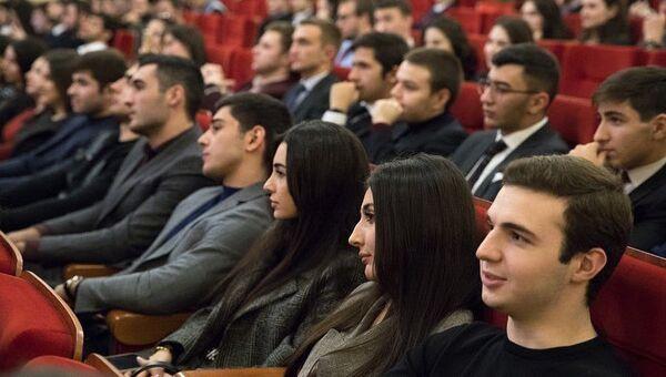 Ежегодная встреча главы КЧР Рашиды Темрезовы с молодежью из республики, живущей и учащейся в Москве