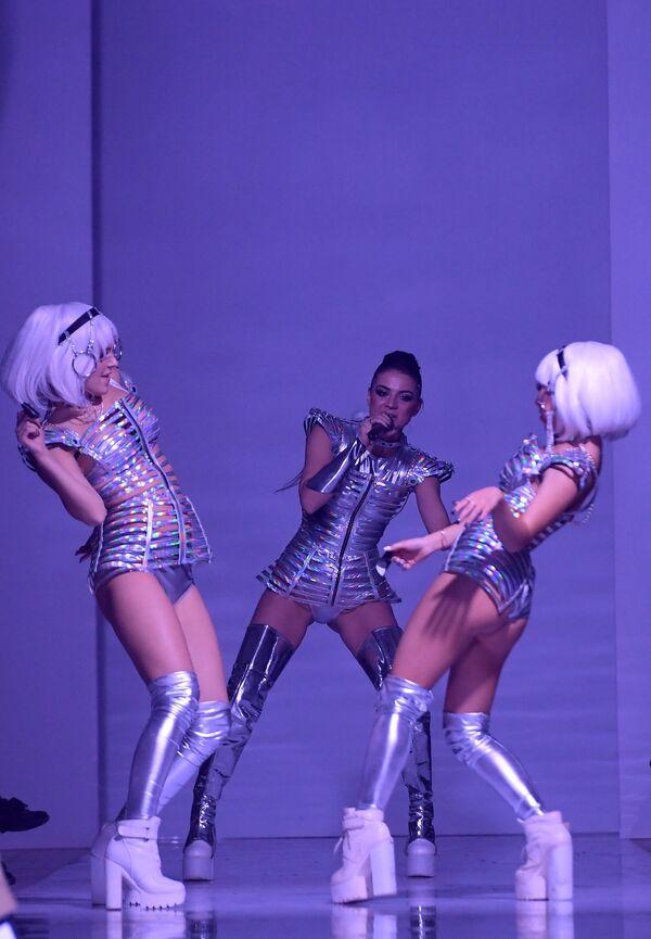 Модели демонстрируют одежду в рамках международной недели моды Volga Fashion Weekе в Казани