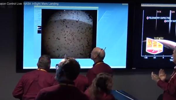 Один из кадров трансляции с зондов MarCO