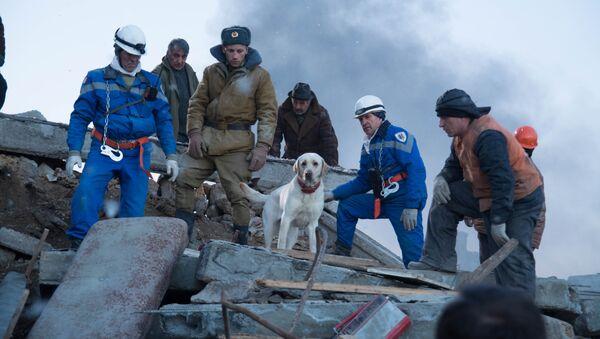 Кадр из фильма Спитак