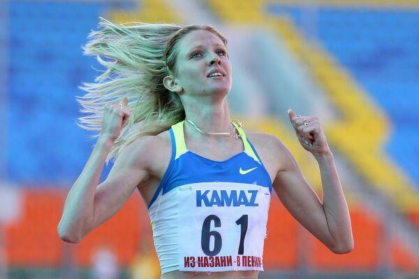 Одна из дисквалифицированных спортсменок бегунья Елена Соболева