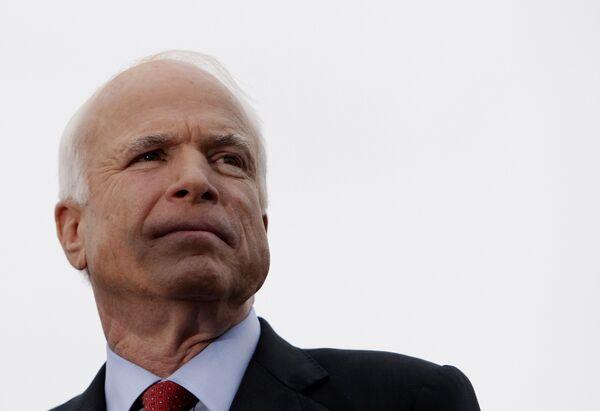 Кандидат в президенты США от республиканской партии Джон Маккейн во время предвыборной кампании