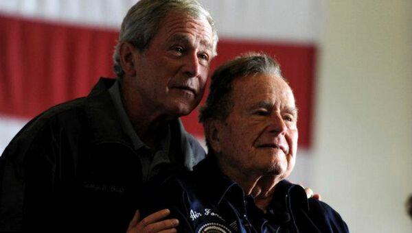 Бывшие президенты США Джордж Буш-младший и Джордж Герберт Уокер Буш