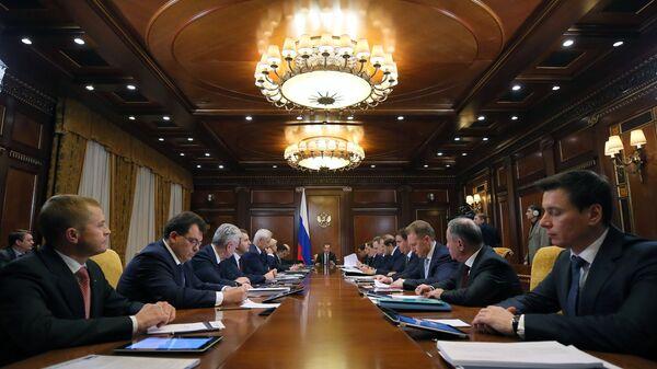 Дмитрий Медведев проводит заседание президиума Совета при президенте РФ по стратегическому развитию и национальным проектам. 3 декабря 2018