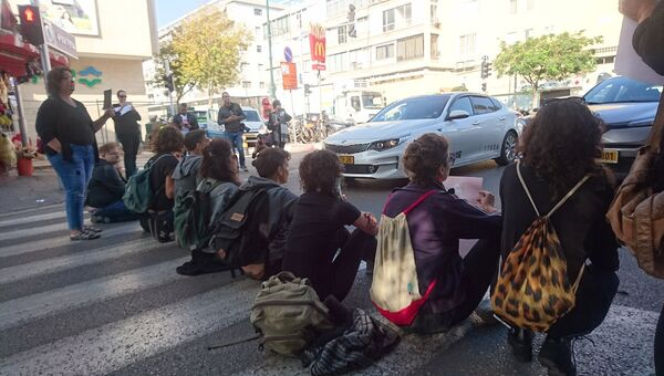 Акция протеста против насилия над женщинами в Израиле