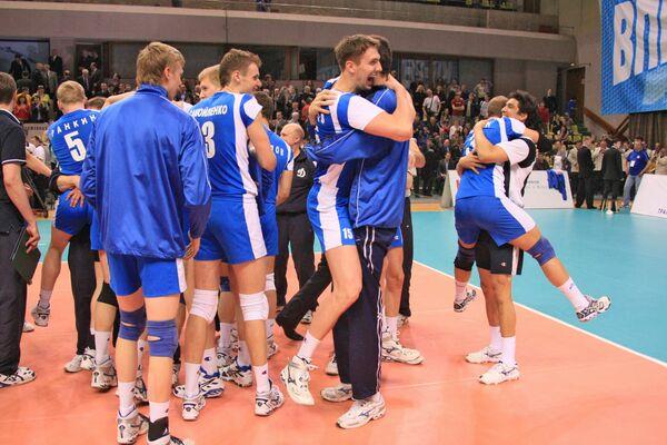 Волейболисты Динамо