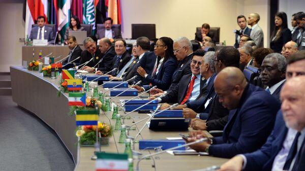 Участники заседания организации стран-экспортеров нефти (ОПЕК) в Вене. 6 декабря 018