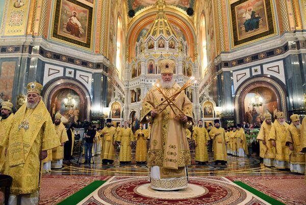 Патриарх Кирилл проводит Божественную литургию с сестрами Милосердия в Храме Христа Спасителя в Москве