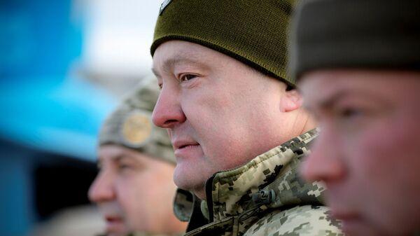 """Мнение: от военной риторики Порошенко переходит к плану """"Б"""""""