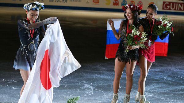 Рика Кихира (Япония) - золотая медаль, Елизавета Туктамышева (Россия) - бронзовая медаль, Алина Загитова (Россия)