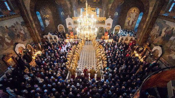 Служба в храме в честь преподобных Антония и Феодосия Киево-Печерской Лавры