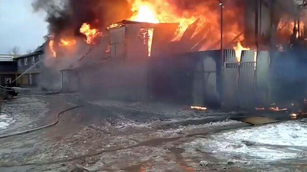 Крупный пожар в здании мебельной фабрики на улице Фабричной в подмосковном Щёлкове. 11 декабря 2018