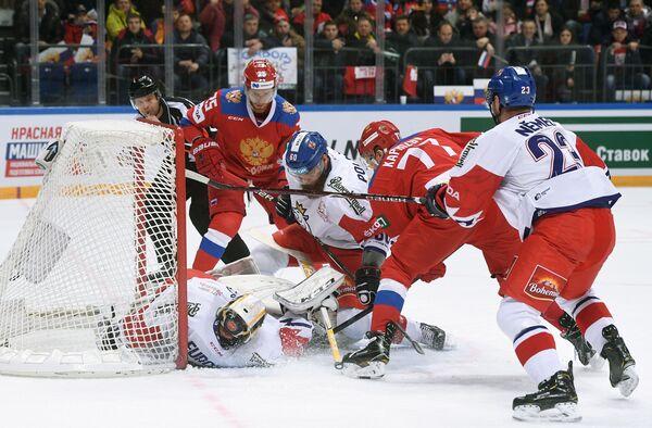 Игровой момент матча Кубка Первого канала между сборными России и Чехии