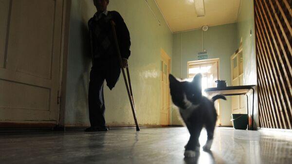 Пациент в коридоре Шимской центральной районной больницы