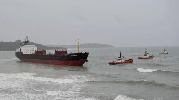 Российский сухогруз Кузьма Минин сел на мель на юго-западе Англии