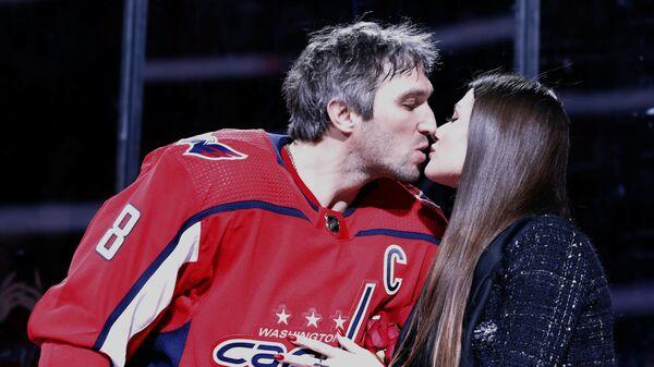 Хоккеист Александр Овечкин и его супруга Анастасия