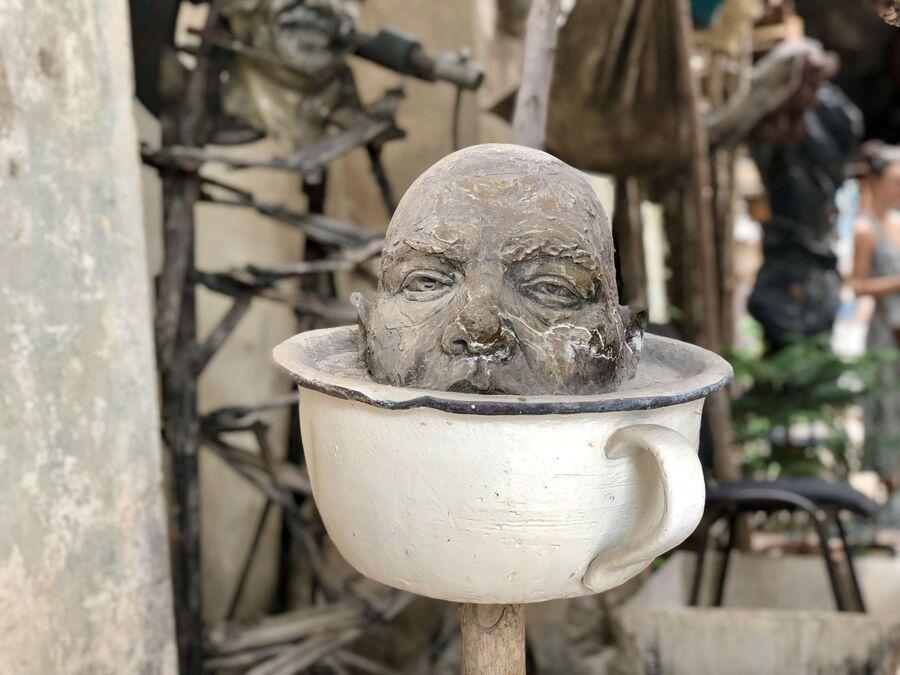 Работа скульптора Лоло, Матансас, Куба