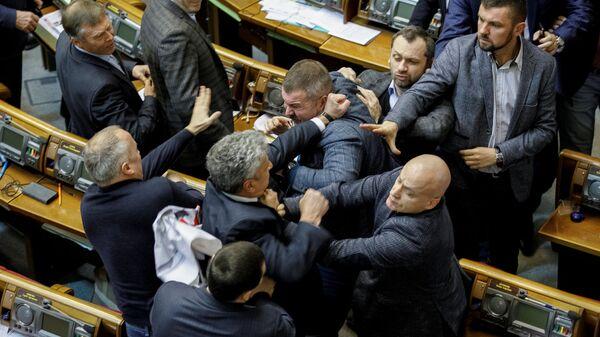 Драка депутатов на заседании Верховной рады Украины