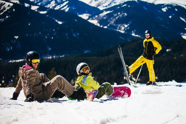 Отдыхающие на горнолыжном курорте Архыз