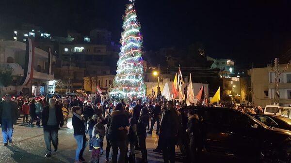 Рождественская елка в городе Маалюля, Сирия