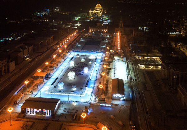 Каток Цветник на ВДНХ в Москве
