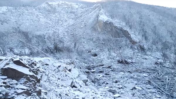 Последствия схода оползня в Хабаровском крае