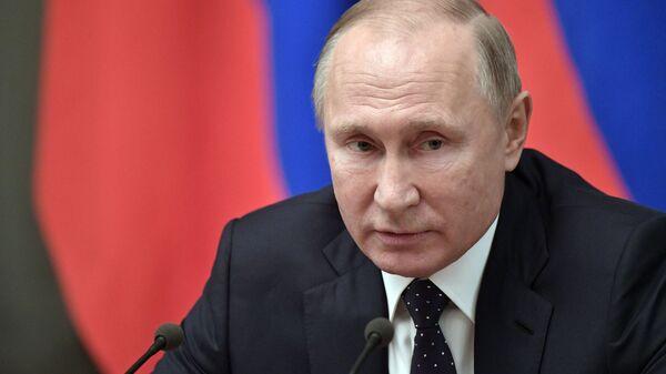Владимир Путин во время встречи с членами правительства РФ. 26 декабря 2018