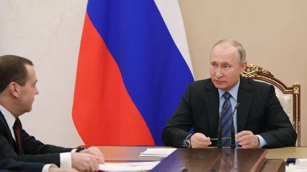 Президент РФ Владимир Путин проводит совещание с постоянными членами Совета безопасности РФ.  28 декабря 2018