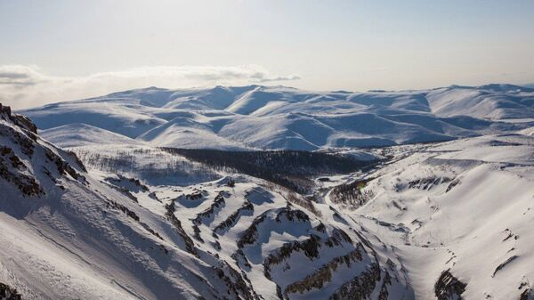 Горы в районе поселка Многовершинный Хабаровского края