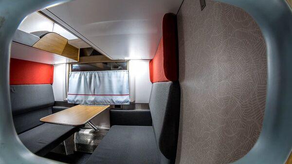 РЖД получила первый обновленный плацкартный вагон