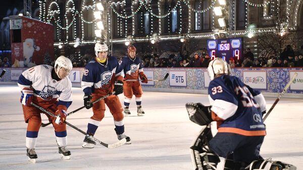 Владимир Путин в товарищеском матче Ночной хоккейной лиги