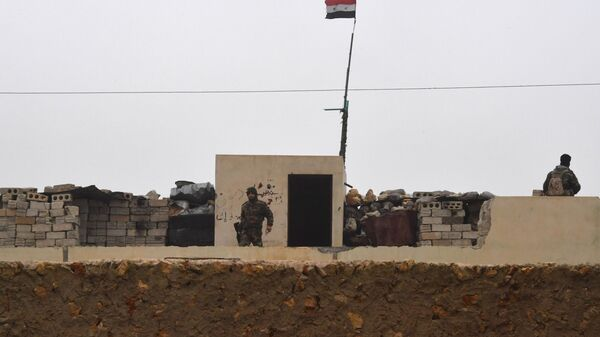 Позиции сирийской армии на западе района Манбидж провинции Алеппо в Сирии