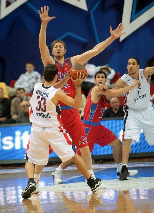 Матч четвертого тура Евролиги - ЦСКА (Россия) – «Эфес Пилсен» (Турция)