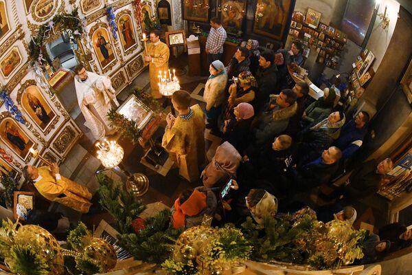 Рождественское богослужение в храме святого апостола Андрея Первозванного во Владивостоке. 7 января 2019