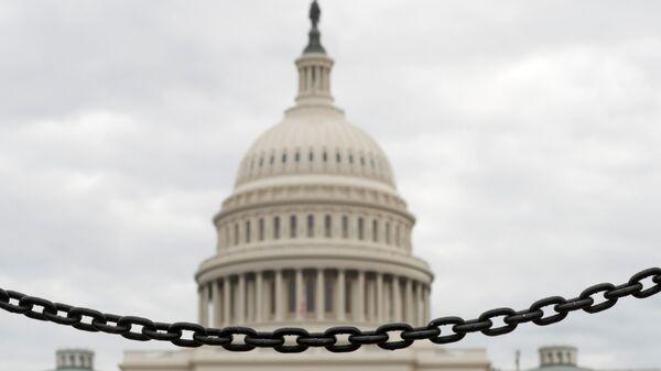 Здание американского сената на Капитолийском холме в Вашингтоне. 8 января 2019