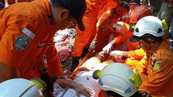 Оказание помощи российским туристам, пострадавшим при падении в ущелье на индонезийском острове Бали