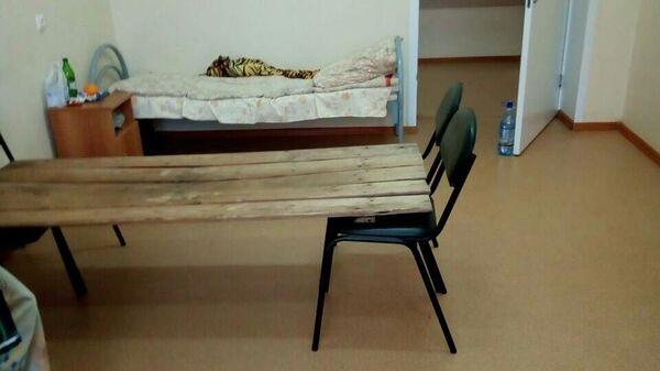 Кровать из деревянных щитов в Кузнецкой межрайонной больнице Пензенской области