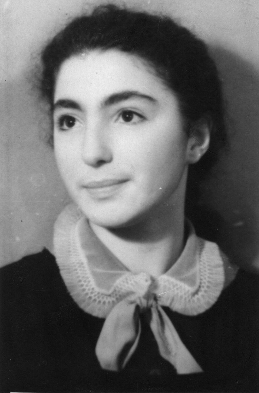 Лейла Адамян была единственной медалисткой на четыре класса