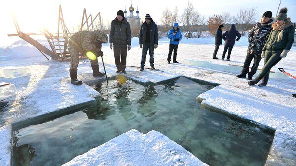 Подготовка иордани к празднику Крещения в Челябинске