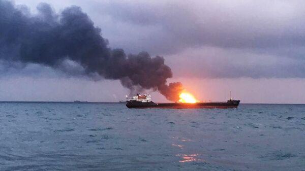 Два судна под флагом Танзании горят в районе Керченского пролива. 21 января 2019