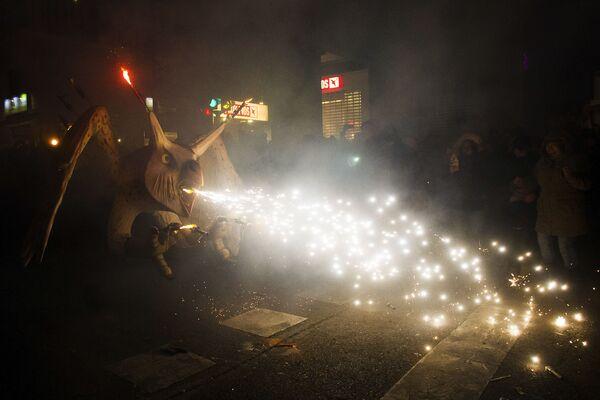 Традиционный фестиваль Correfoc в Пальма-де-Мальорке, Испания