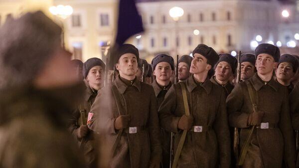 Участники репетиции парада в честь 75-летия снятия блокады Ленинграда на Дворцовой площади в Санкт-Петербурге. 22 января 2019