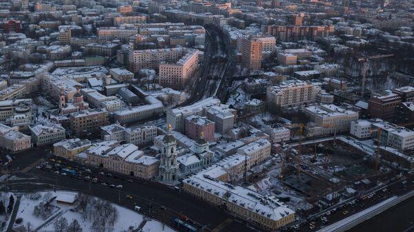 Яузский бульвар и Троицкая церковь в Москве