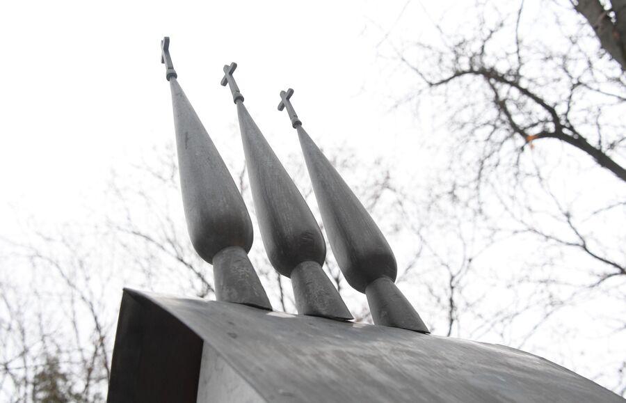 Памятник на могиле Чехова на Новодевичьем кладбище