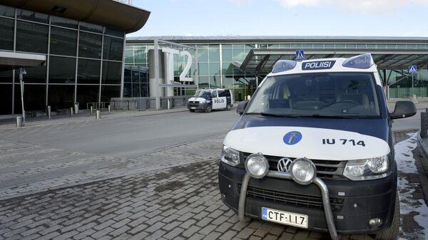 Полицейский автомобиль в аэропорту Хельсинки-Вантаа
